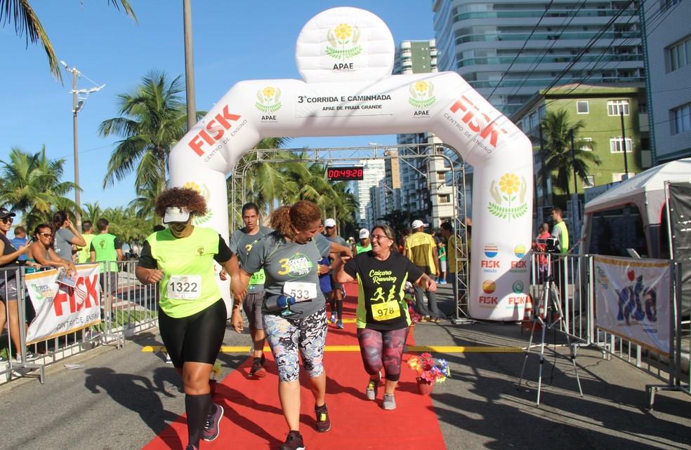 3ª Corrida e Caminhada da APAE de Praia Grande foi um sucesso — Foto: Gonçalo Andrade
