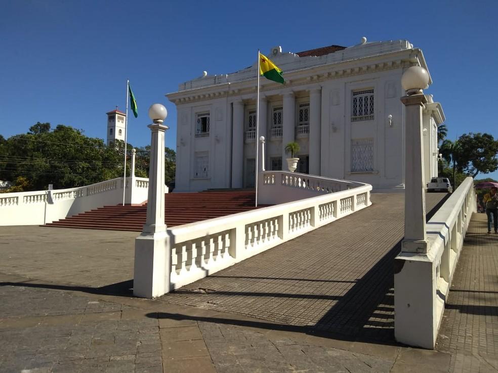 Decreto foi publicado no Diário Oficial do Estado (DOE), desta sexta-feira (2) — Foto: Palácio Rio Branco, Acre