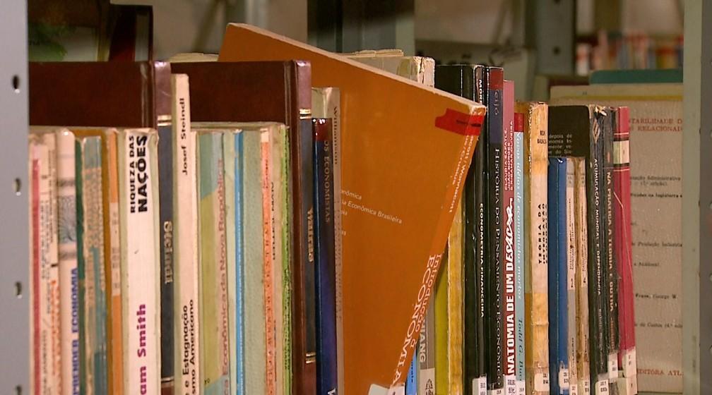 CRB-8 destaca a importância dos bibliotecários nas bibliotecas — Foto: Antônio Luiz/EPTV