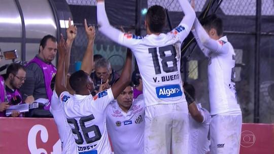 Ricardo Oliveira brilha, faz três gols e classifica o Santos na Copa do Brasil