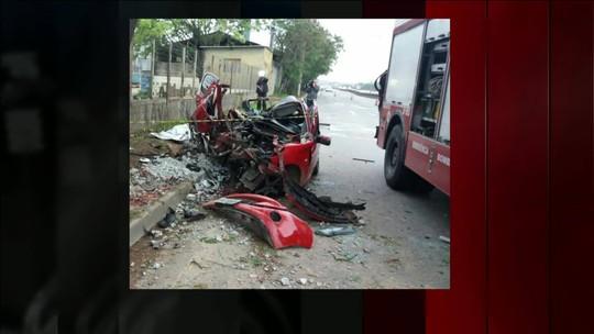 Acidente de carro deixa três mortos na Rodovia Fernão Dias, em Guarulhos