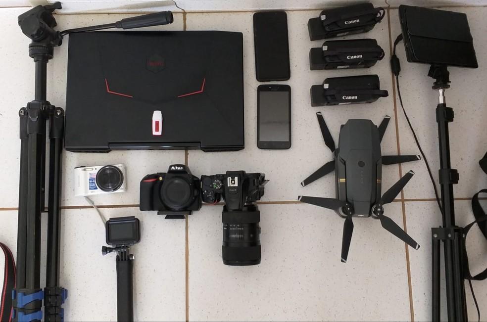 Operação apreendeu notebook, câmeras e material para gravação de vídeo — Foto: Divulgação/SSP-BA
