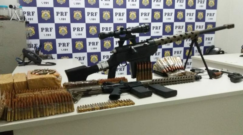 Maioria do armamento apreendido em MS seria levado para o RJ, diz PRF
