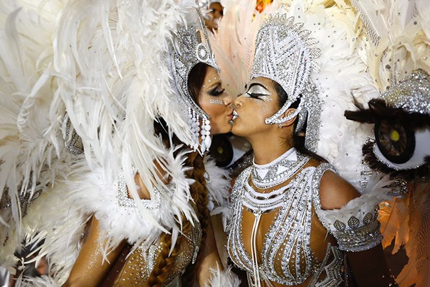 Fernanda Lacerda e Amanda Djehdian (Foto: Eduardo Saraiva/ Ed. Globo)