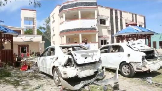 Atentado mata 26 em hotel na Somália