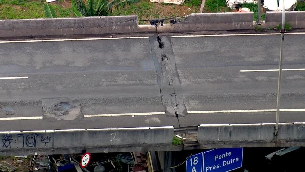 Ponte que liga Marginal Tietê à Rodovia Dutra apresenta problemas de rachadura — Foto: TV Globo/Reprodução