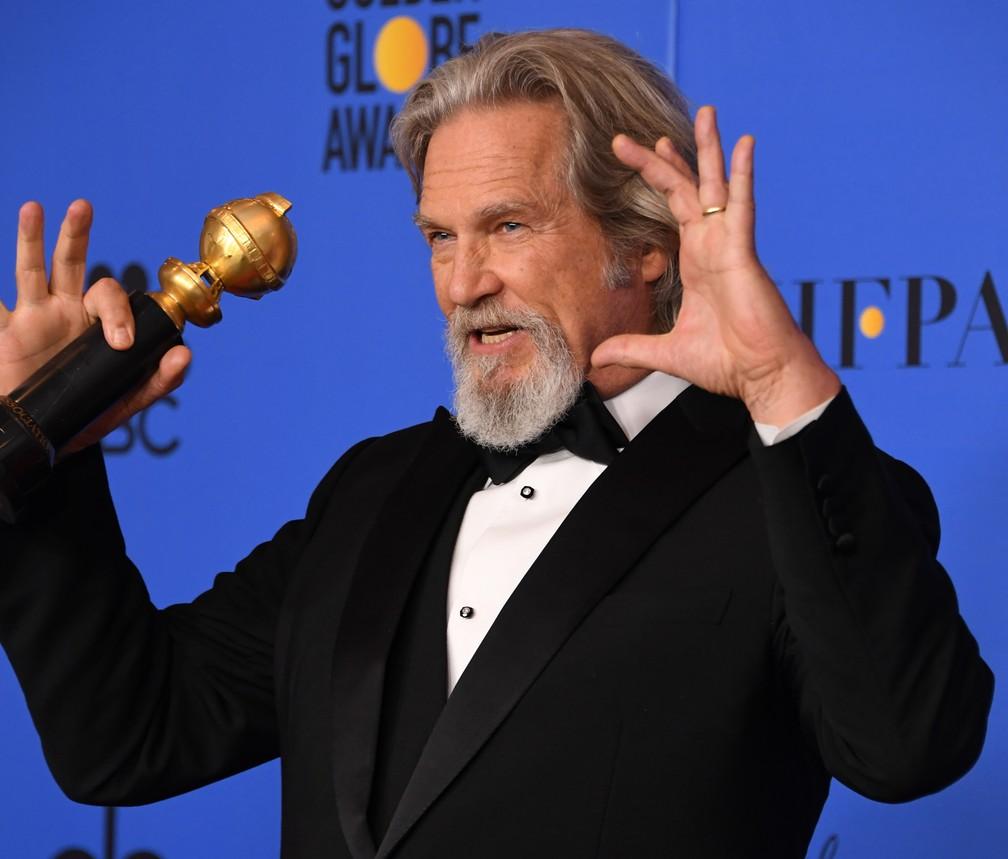 Ator Jeff Bridges é o homenageado do Globo de Ouro 2019 com o troféu Cecil B. DeMille — Foto: Mark RALSTON / AFP
