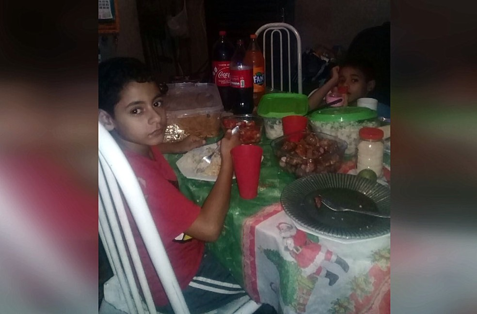Foto registrou a tão esperada ceia de Natal em São Carlos (Foto: Reprodução/EPTV)