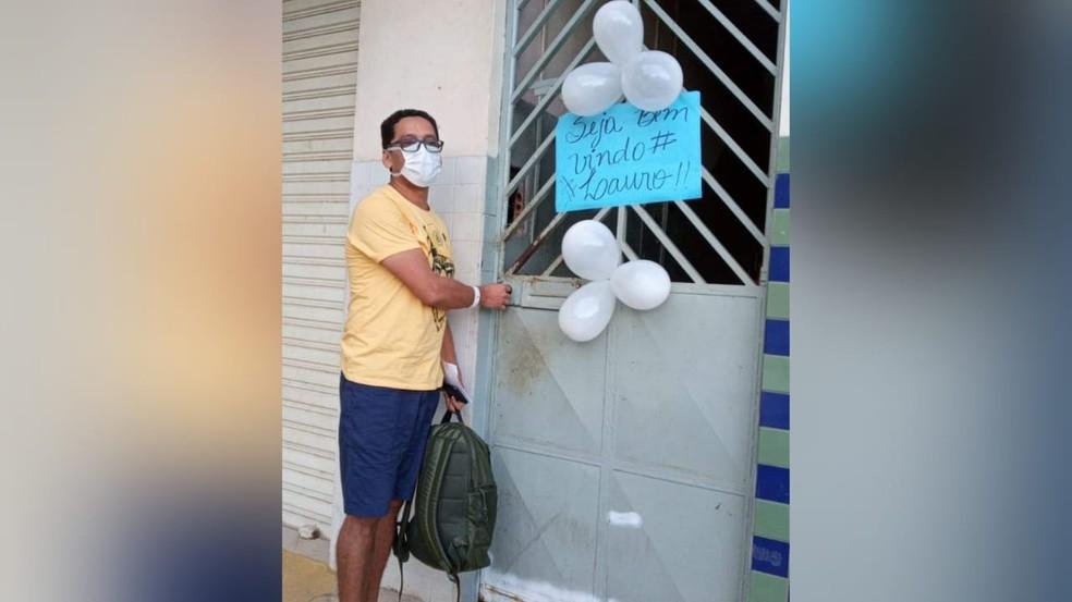 Lauro Corrêa, 8° paciente recuperado da Covid-19 recebeu alta do HRBA — Foto: Reprodução/Redes Sociais