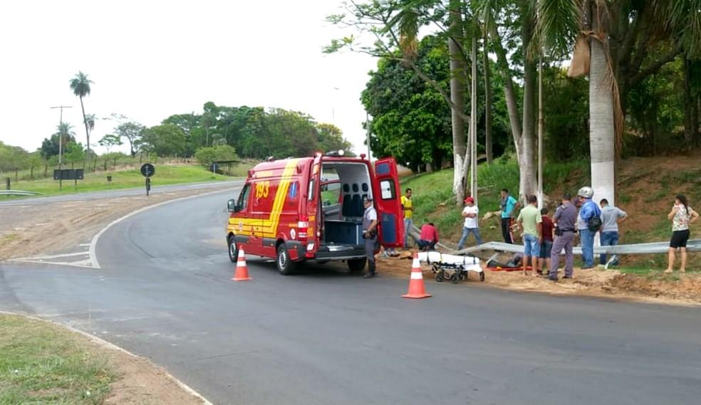 Acidente aconteceu no trevo da SP-294 que dá acesso a Herculândia — Foto: Tupã Notícias/Divulgação