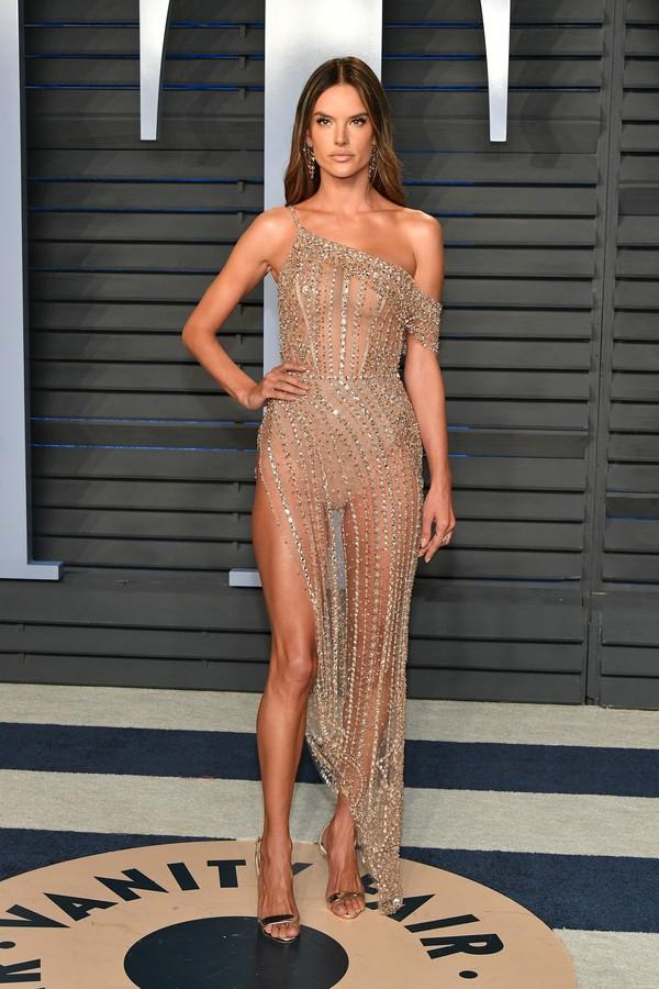 Alessandra Ambrosio na festa da Vanity Fair após o Oscar 2018 (Foto: Getty Images)