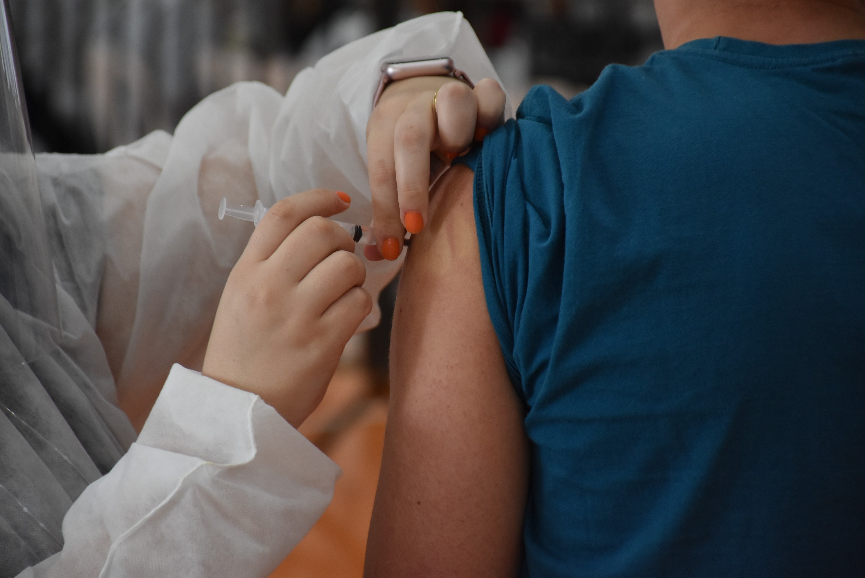 Botucatu enfrenta dificuldade para completar imunização de adolescentes contra Covid-19