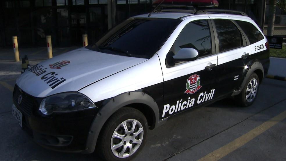 Polícia apreendeu em São Paulo carro que imitava viatura de Mogi das Cruzes — Foto: Reprodução TV Globo