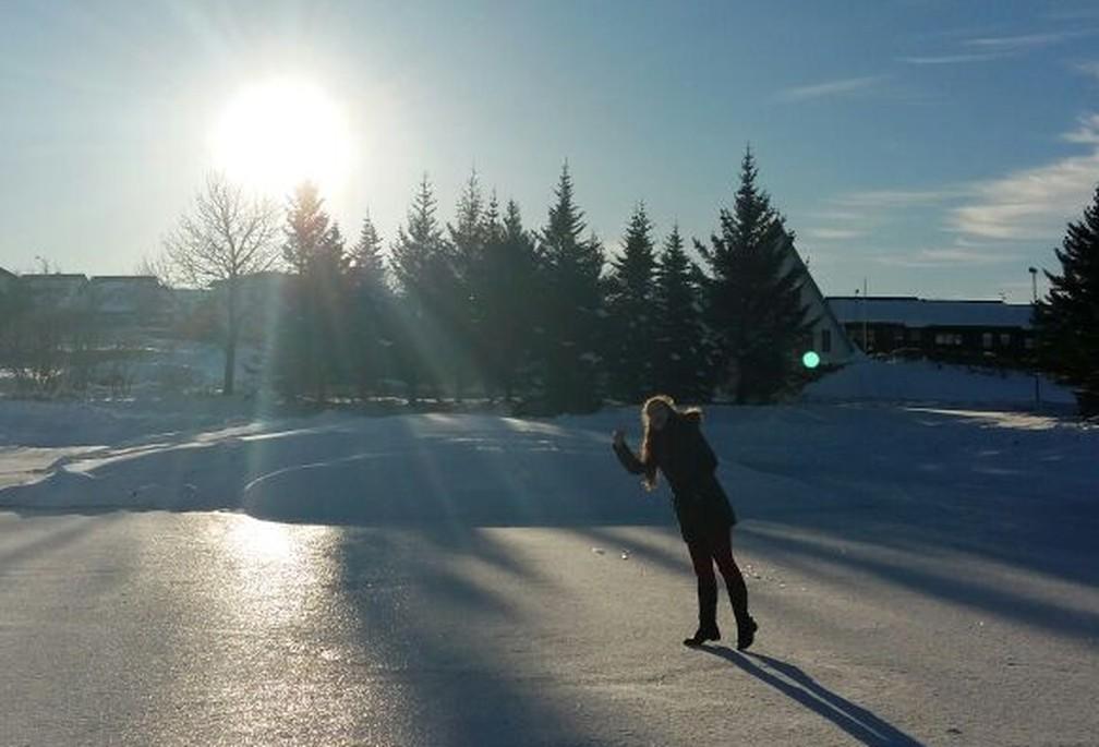 Beatriz em viagem pela Islândia (Foto: Arquivo pessoal)