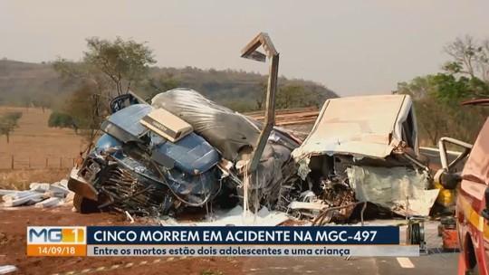 Vítimas de acidente entre van e caminhão na MGC-497 são enterradas nesta sexta-feira
