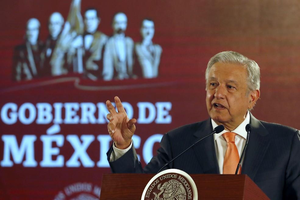 Presidente do México, Andrés Manuel López Obrador, durante coletiva de imprensa em 9 de abril — Foto: Marco Ugarte/AP Photo