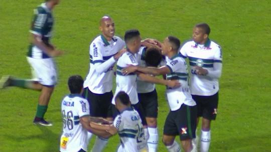 O gol de Coritiba 1 x 0 Goiás pela 36ª rodada da série B do Brasileirão