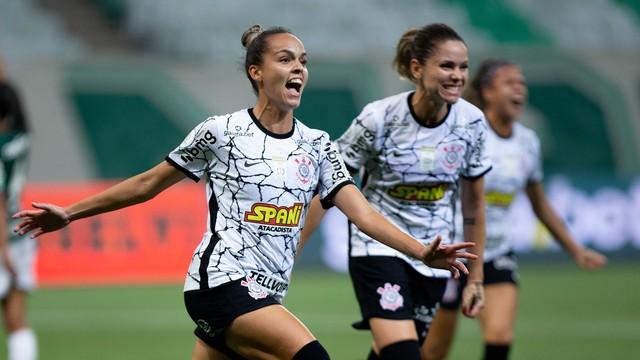 Gabi Portilho vibra com gol na primeira final