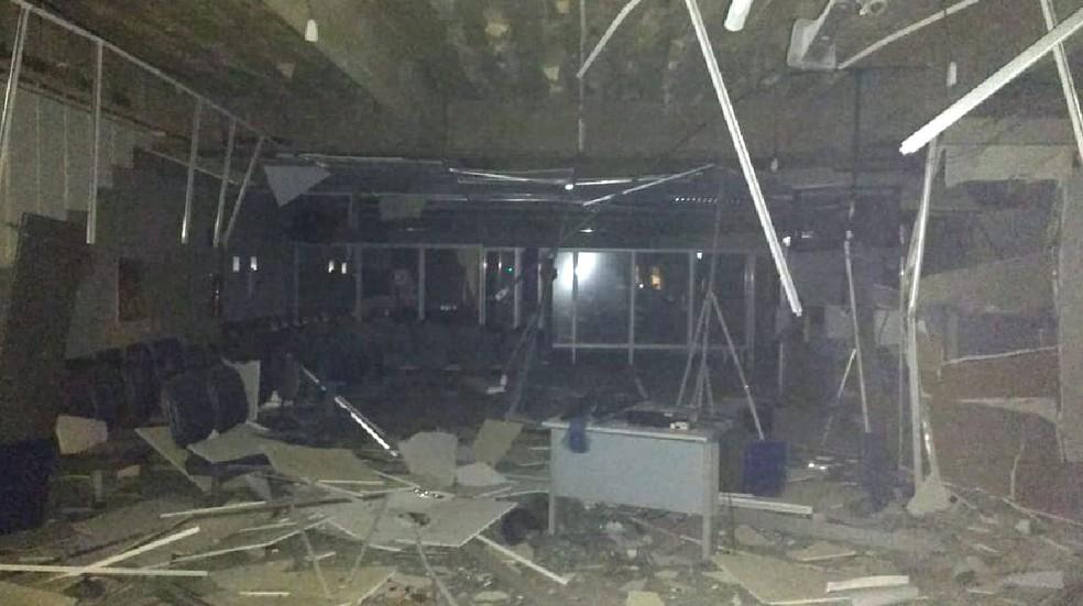 Agência bancária ficou destruída após ação dos criminosos em Gravatá â?? Foto: Polícia Federal/Divulgação