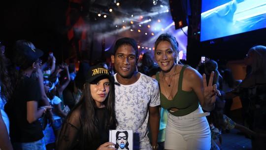 'Combinado' mostra encontro de fã com a cantora Anitta