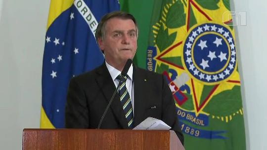 Presidente diz que embaixador é  'cartão de visitas' e volta a defender indicação do filho