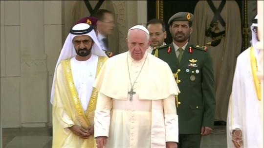 Papa visita a Península Arábica - o berço do islamismo - pela primeira vez na história