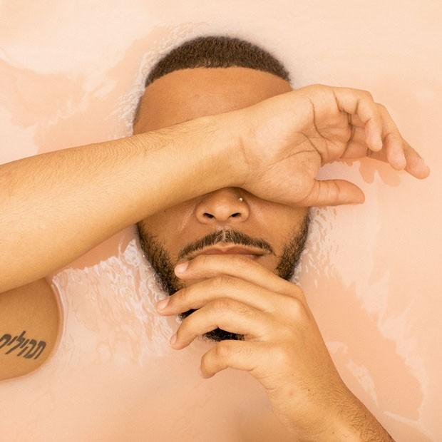 Fotógrafo faz ensaio para contestar estereótipos do homem negro (Foto: Cam Robert)