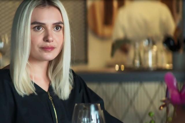 Monica Iozzi é Kim em 'A dona do pedaço' (Foto: Reprodução)