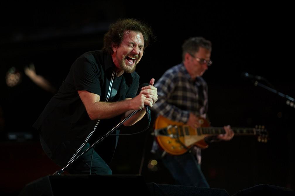 Pearl Jam durante show no Lollapalooza 2018 (Foto: Marcelo Brandt/G1)