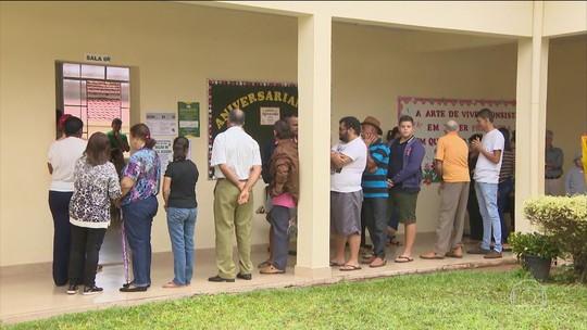 Belo Horizonte x Serra da Saudade: os votos no maior e no menor colégio eleitoral de Minas