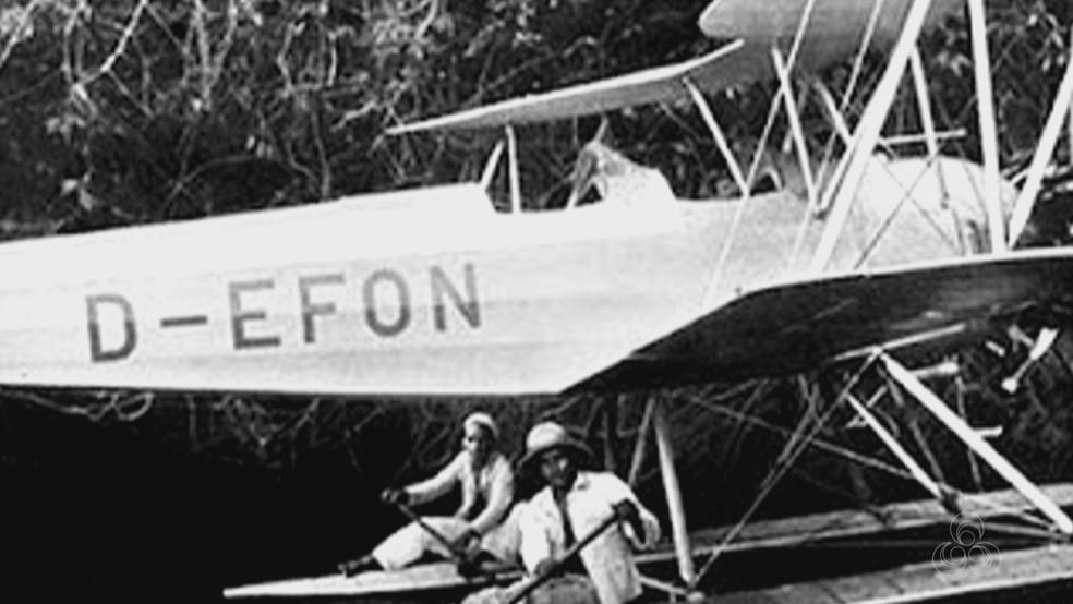 Expedição Jari usou pequeno avião para sobrevoar floresta — Foto: Reprodução/Rede Amazônica