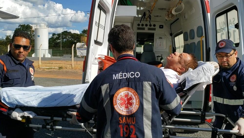 Internado em UTI na Bahia, Agnaldo Timóteo sai do coma induzido e já respira sem ajuda de aparelhos 2