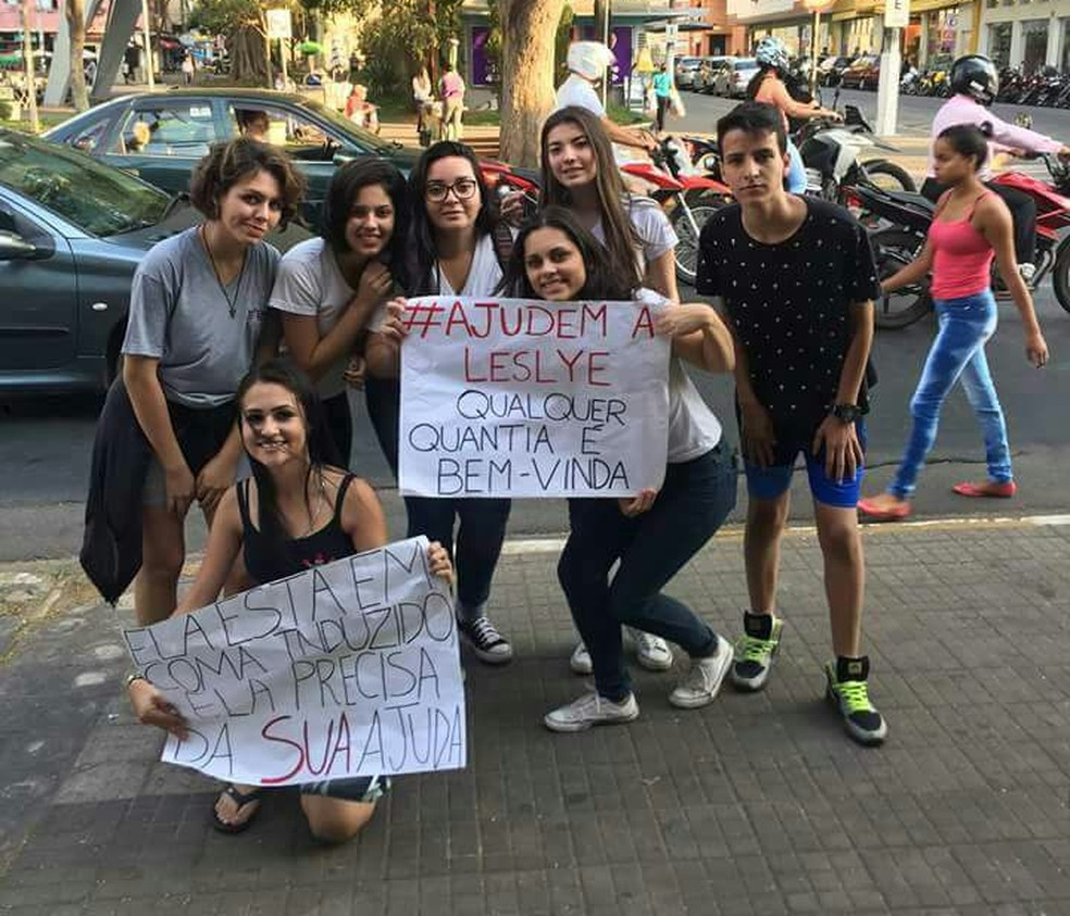 Alunos da Etec de Tatuí fazem 'pedágio' para arrecadar dinheiro para adolescente internada (Foto: Arquivo pessoal/César  Salvador)