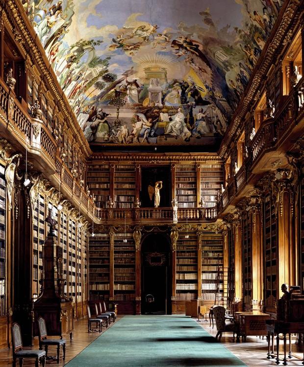 Biblioteca Strahovská Knihovna, em Praga, República Checa (Foto: Massimo Listri/ Taschen/ Reprodução)
