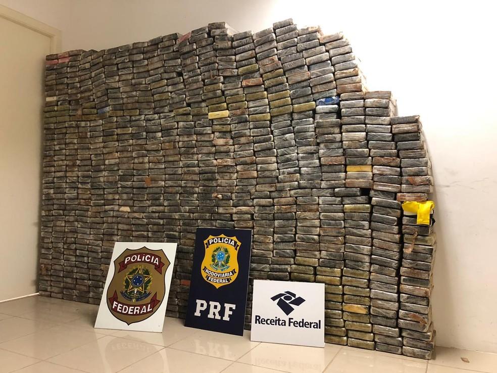 Apreensão de cerca de 950 quilos de cocaína — Foto: Polícia Federal/Divulgação