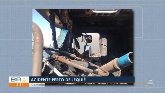 Caminhão com carga de cigarros contrabandeados tomba e pega fogo em rodovia na BA