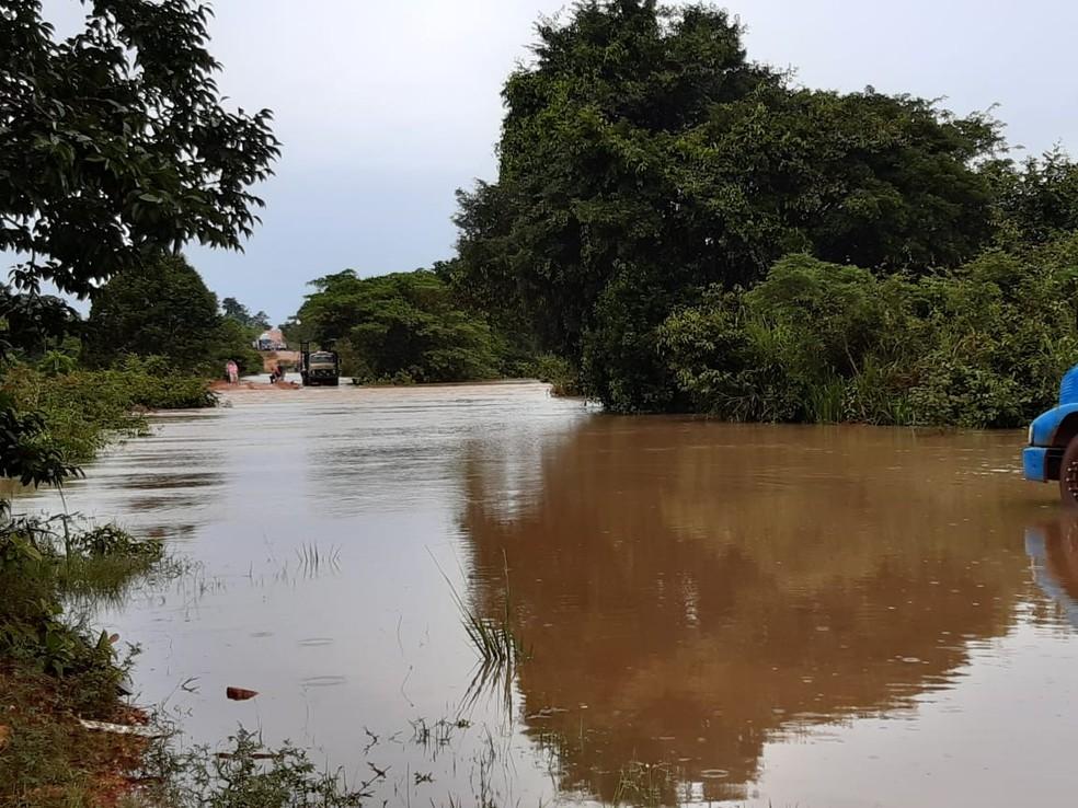 Rodovias estão alagadas — Foto: Divulgação