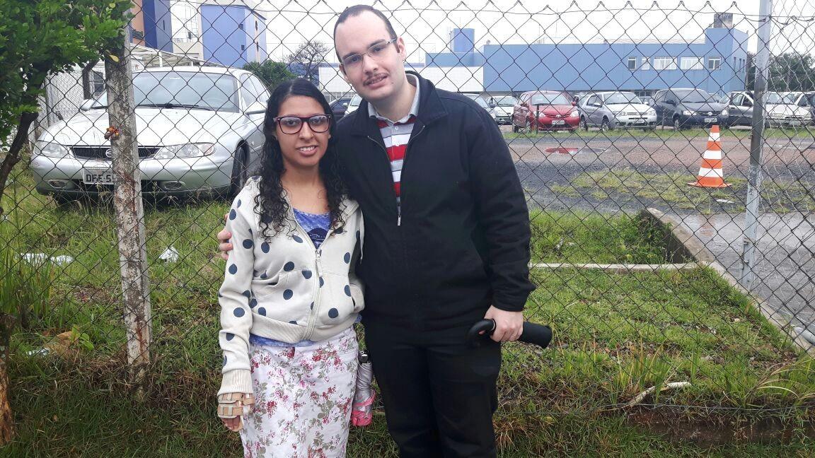 Jovem com paralisia cerebral e marido tentam realizar juntos sonho de cursar medicina na Unicamp