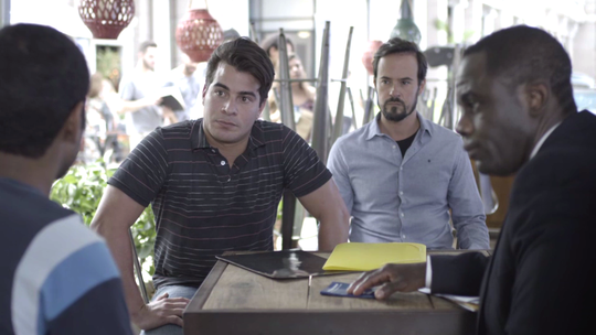 Júlio e Evandro pedem emprego no quiosque de Dílson