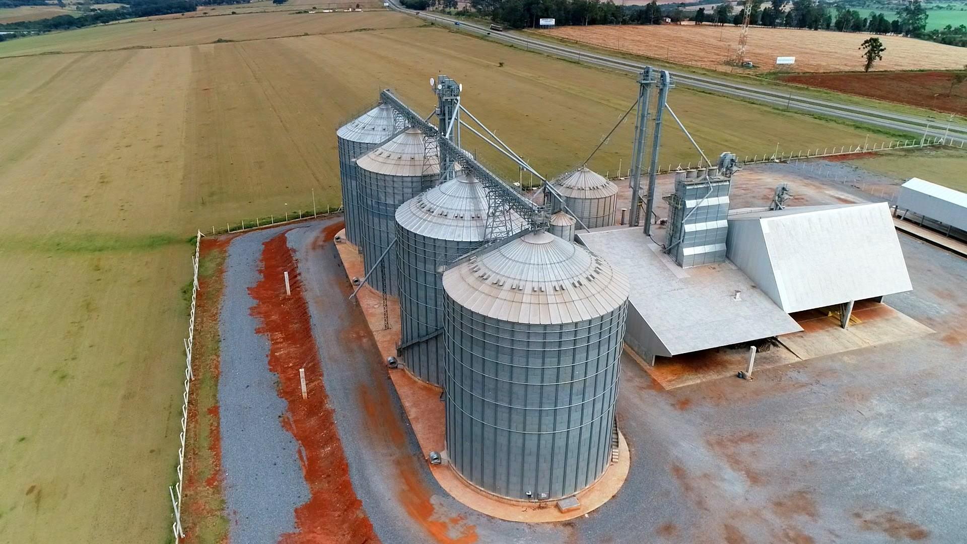 Supersafra cria desafio para estocar grãos - Notícias - Plantão Diário