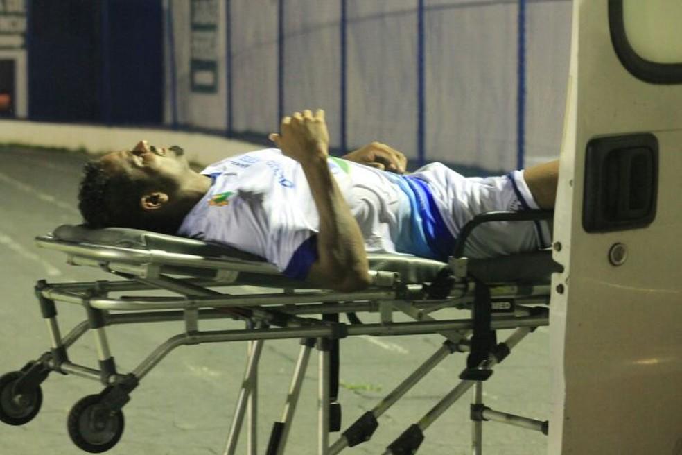 Miltão é substituído com dores na perna direita, mas é liberado para atuar pelo Parnahyba (Foto: Jorge Alves/Parnahyba)