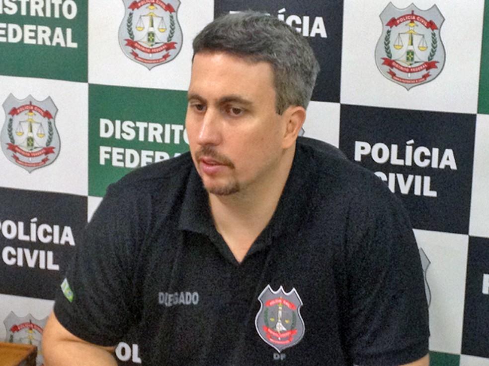 Delegado-chefe da 27ª DP, Pablo Aguiar — Foto: Lucas Salomão/G1