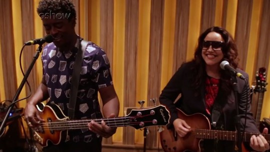 Ana Carolina e Seu Jorge abrem ensaio de nova turnê