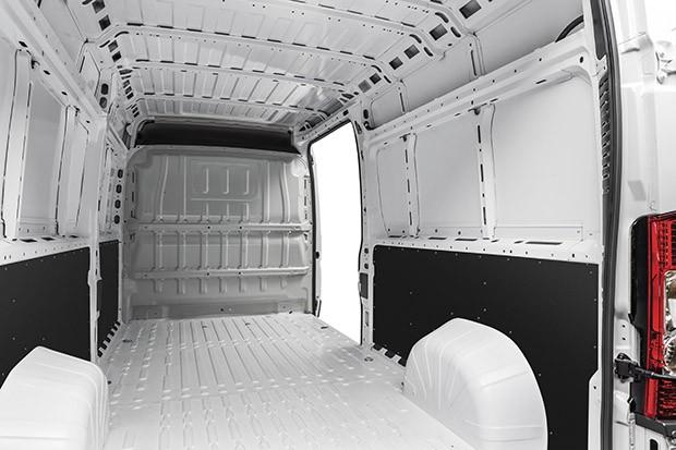 Versão Cargo: espaço interno ideal para transportar produtos e ferramentas (Foto: Divulgação)
