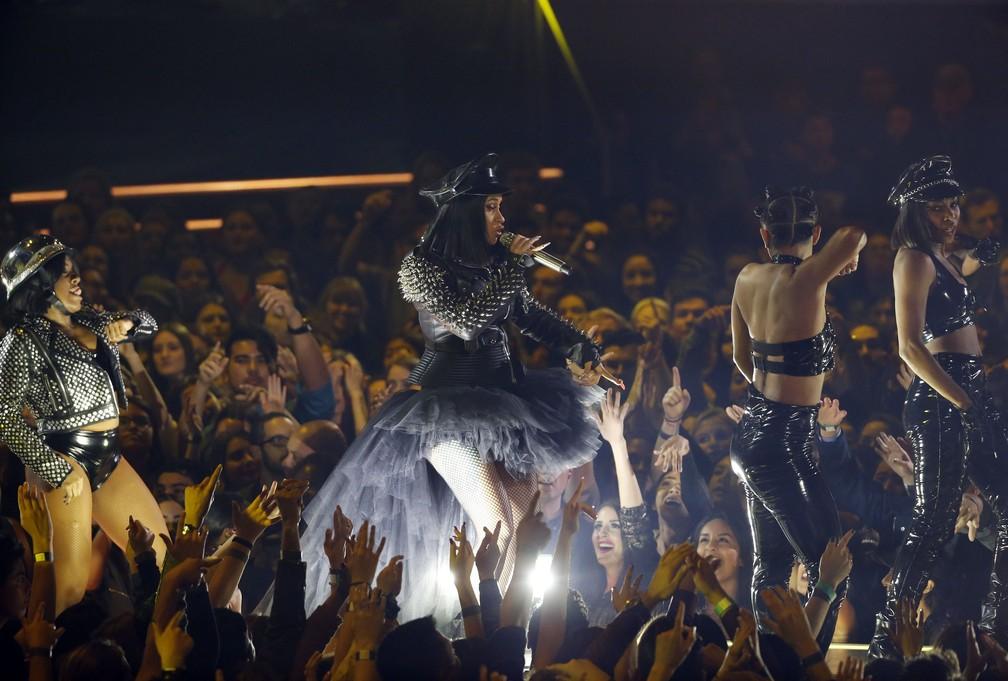 Cardi B. se apresenta no iHeartRadio Music Awards 2018 (Foto: REUTERS/Mario Anzuoni)
