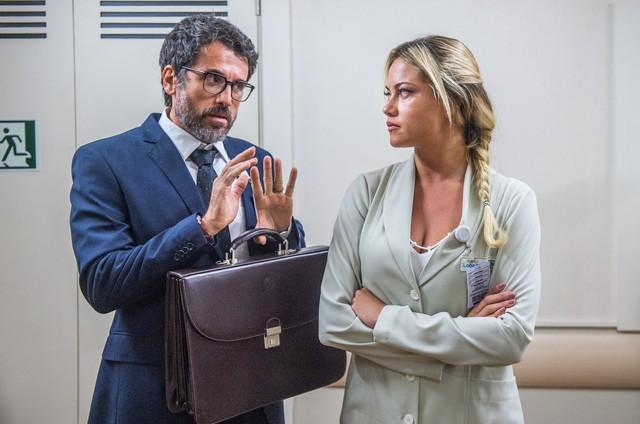 Samuel (Eriberto Leão) e Suzy (Ellen Roche) (Foto: Divulgação TV Globo/Raquel Cunha)