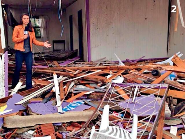 Repórter da Rede Record, quando um tornado destruiu Xanxerê (SC), em 2015 (Foto: Reprodução)