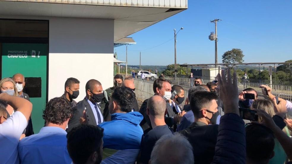 Jair Bolsonaro chega à cidade de Chapecó (SC) — Foto: Fernanda Moro/NSC TV