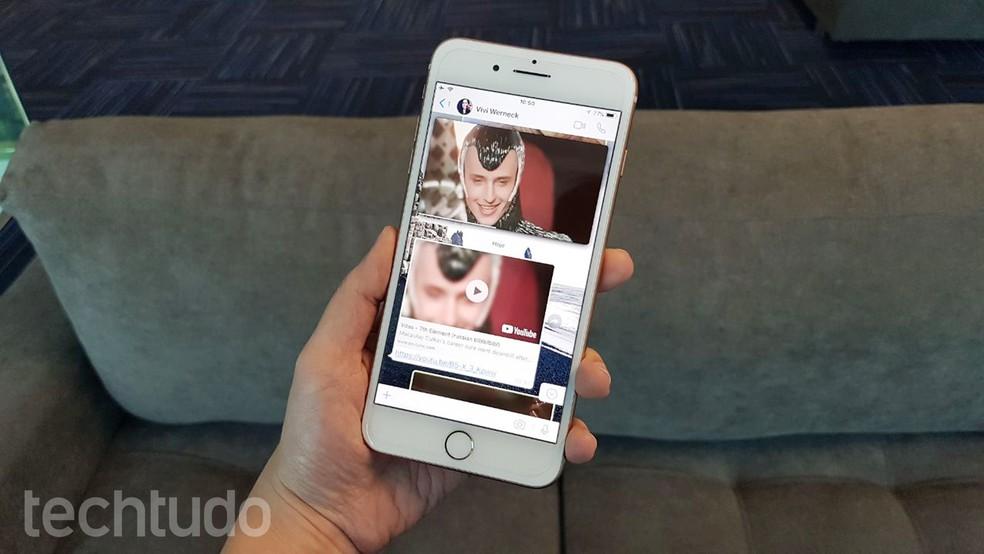 WhatsApp ganha função para assistir a vídeos do YouTube dentro do mensageiro (Foto: Viviane Werneck/TechTudo)