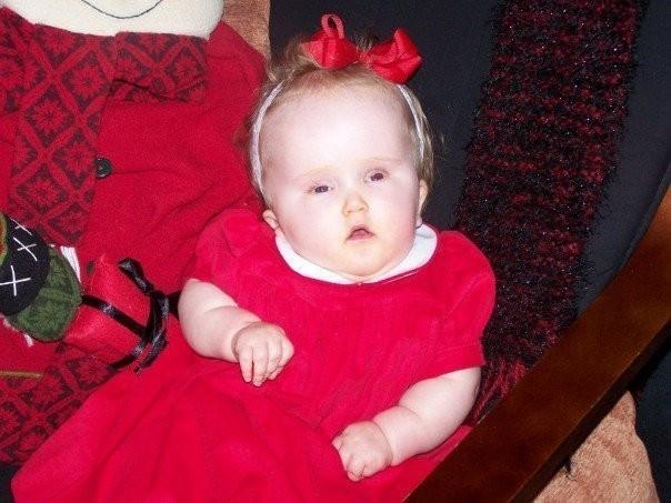 A pequena Zoe no Natal, em casa (Foto: Arquivo pessoal)